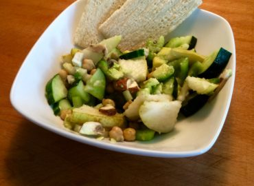 Raw Vegan Pear & Chickpea Salad