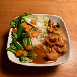 Thai Veggie Bowl with Red Curry Sauce